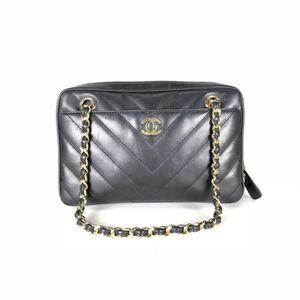Chanel Vintage Black V-stitch Chain Shoulder Bag Date/Authenticity Code: 6875234 for Sale in Scottsdale, AZ