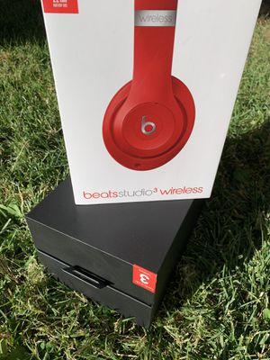 Box Beats Studio Solo 3 (only box) for Sale in El Cajon, CA
