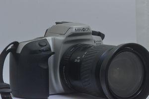 Minolta Dynax 500si / Lens 28-80mm f3.5-f5.6 for Sale in Miami, FL