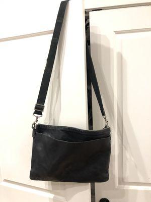 COACH shoulder bag for Sale in Atlanta, GA