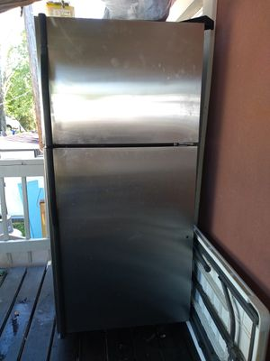 Used Fridhe in good condition for Sale in Woodbridge, VA