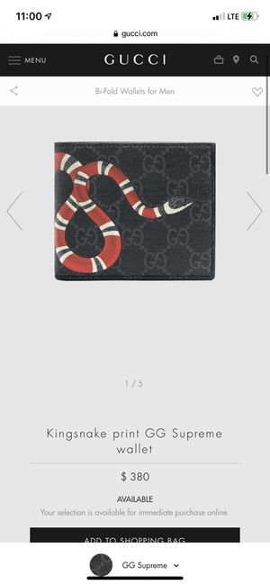 Gucci snake wallet little beat up for Sale in Vancouver, WA