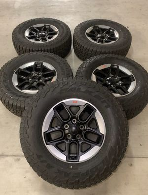 Jeep Wrangler Rubicon Wheels Rims Tires Rines 2020 for Sale in Los Angeles, CA