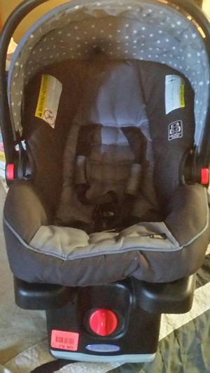 Car seat for Sale in Hazelwood, MO