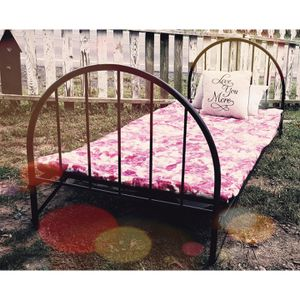 Vintage Metal Twin Size Foldable Bed Frame for Sale in Waynesboro, PA