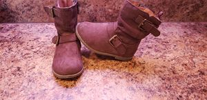 Toddler girls brown boots size 6 for Sale in Collinsville, OK