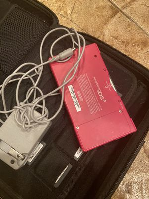 NINTENDO DSI PRACTICALLY NEW WITH 20 games for Sale in Canyon Lake, CA
