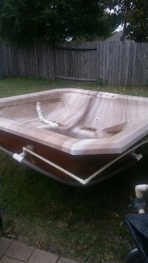 Hot tub jacuzzi for Sale in Atascocita, TX