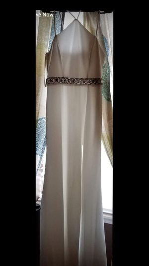 Wedding Dress (Accessories With It Too) for Sale in Lee's Summit, MO