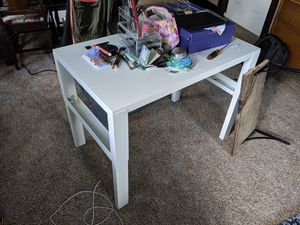 IKEA table for Sale in Chicago, IL