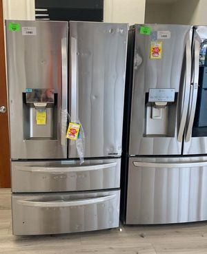 LG STAINLESS STEEL REFRIGERATOR R55 for Sale in Chino, CA