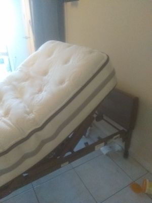 invacare Electrical and manual hospital bed for Sale in Pompano Beach, FL