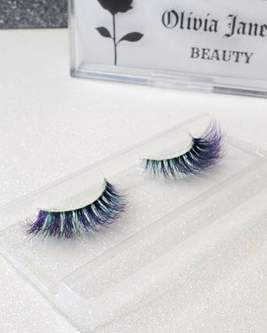 Colored lashes OLIVIAJANELLEBEAUTY for Sale in Lake View Terrace, CA