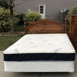 Queen Bed with Headboard, Mattress, boxspring and Rail. Very good condition. Door Delivery available. Hablar espanol for Sale in Raleigh, NC