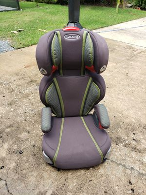 Graco Booster seat and mat for underneath for Sale in Altamonte Springs, FL