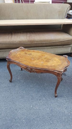 Beautiful antique coffee table for Sale in Las Vegas, NV
