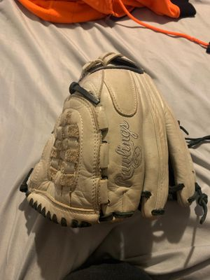 "Rawlings 12"" softball glove for Sale in Irwindale, CA"