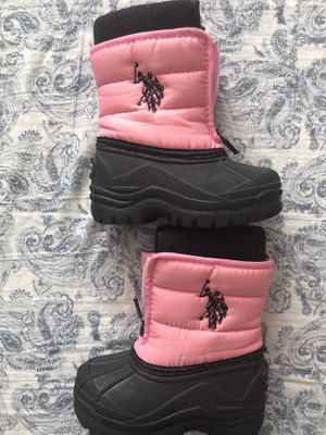 New Toddler Girl Snow Boots size 6 for Sale in Las Vegas, NV