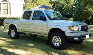 *Runs and drives excellent Price800$ Toyota Tacoma TRD for Sale in Wichita, KS