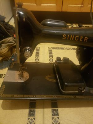 Vintage antique.simger sewing machine for Sale in San Jose, CA