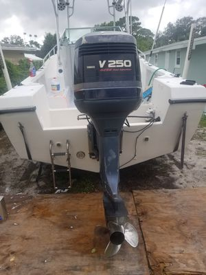 2001 yamaha ox66 250hp fuel injected outboard motor only for Sale in Fort Lauderdale, FL