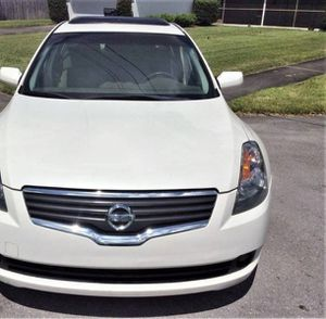 2OO9 Nissan Altima FWDWheelsGreat for Sale in Tacoma, WA