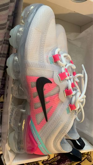 Nike Vapormax Women's Pink & Grey PICK UP ONLY for Sale in Washington, DC