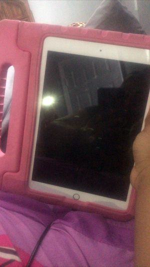 IPAD 7th generation for Sale in Baltimore, MD