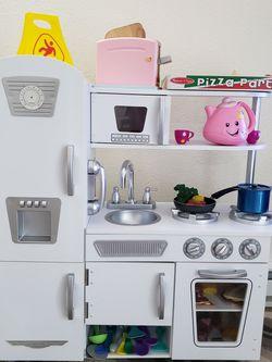 New KidKraft Play Kitchen for Sale in Auburn,  WA