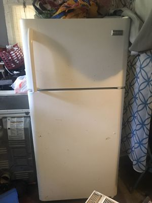 My name is jeremie and I'm selling a fidget raider and two air-conditioners for Sale in Baton Rouge, LA