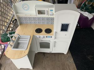 Play kitchen And accessories for Sale in Fresno, CA
