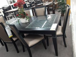 7 pc dining table set with leaf for Sale in San Bernardino, CA