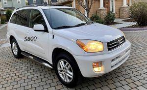 $8OO Toyota RAV4 2002 Runs and drives great! for Sale in Savannah, GA