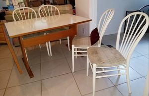 Kitchen table, drop leaf w/4 chairs for Sale in Orlando, FL