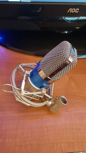 Neewer nw-700 condenser microphone. Never used, great condition. No cable or power supply. More details on amazon. for Sale in Avondale, AZ
