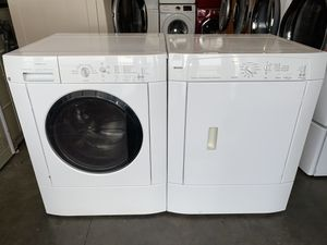 FRIGIDAIRE LARGE CAPACITY WASHER DRYER ELECTRIC SET for Sale in Vancouver, WA