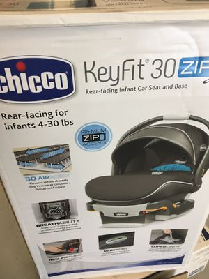 Chicco Keyfit 360 infant car seat/carrier, stroller, and base + extra base for Sale in Pensacola, FL