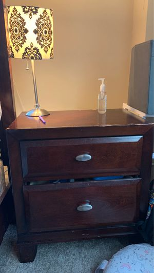 Night stand with lamp! for Sale in Bethesda, MD