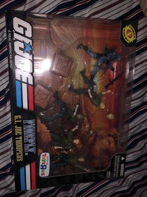 Gi joe toys r us exclusive firefly figure set for Sale in Miami, FL
