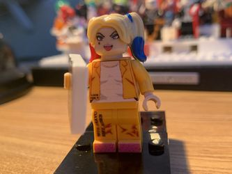 Harely Quinn Jumpsuit Lego Figurine for Sale in Anaheim,  CA