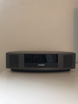 Bose Wave Radio III w/ iPhone aux in adapter & remote for Sale in Chicago, IL
