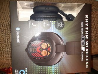Wireless headphones new! for Sale in Vancouver,  WA