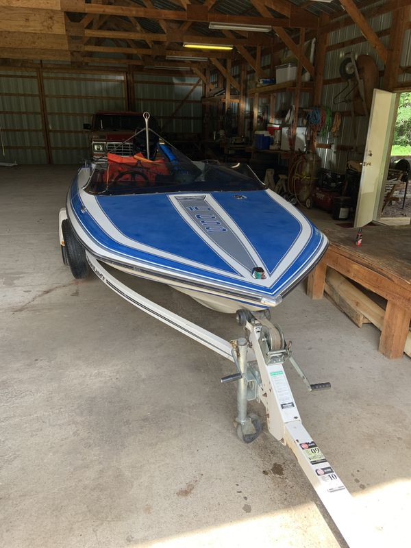 1989 Glastron speed boat