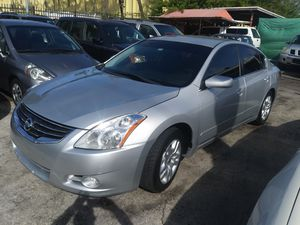 2012 nissan altima/ clean title for Sale in Miami, FL