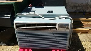 Air conditioning excellent condition for Sale in Palmdale, CA