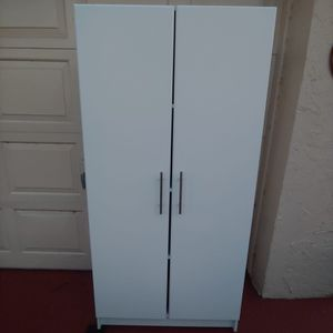 White cabinet with 4 shelves for Sale in Boca Raton, FL
