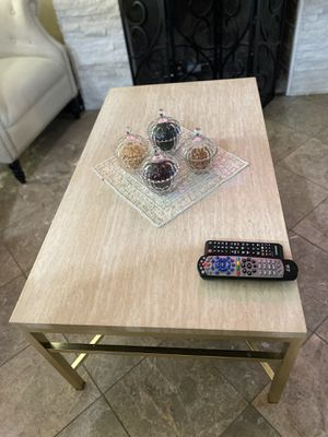 Coffee table for Sale in El Cajon, CA