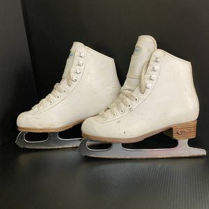 Riedell Ice Skates - White, Size 1 for Sale in Los Gatos, CA