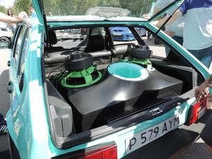 LOOKING FOR JOB! Car audio, fiberglass skill! for Sale in Los Angeles, CA