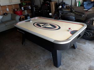 Air hockey table for Sale in Hayward, CA